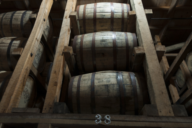 """Maker's Mark Barrels"" (https://flic.kr/p/MsDLHu) by Rob Alter CC-BY 2.0"
